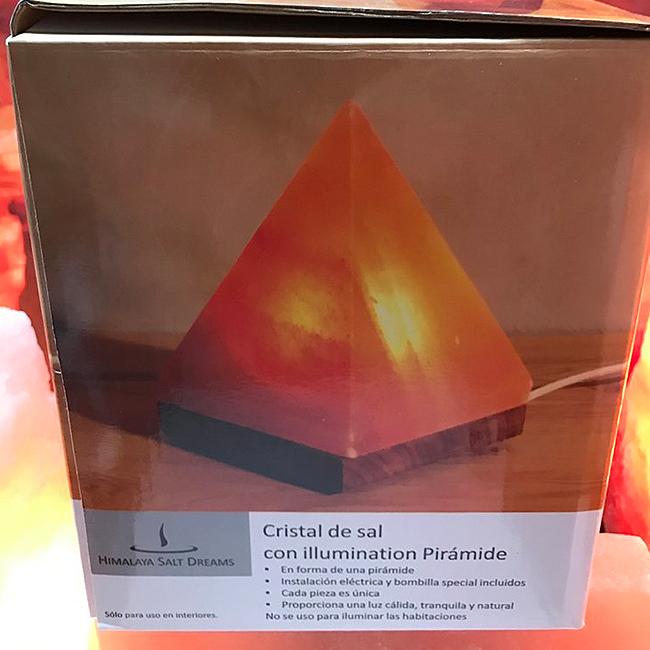 лампа-пирамида-в-кутия
