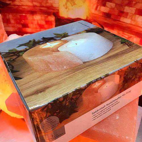 свещник-от-хималайска-сол-в-специална-кутия